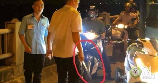 Đình chỉ lái, phụ xe buýt bị tố dùng tuýp sắt đánh người trên cầu Vĩnh Tuy - Tin tức 24h