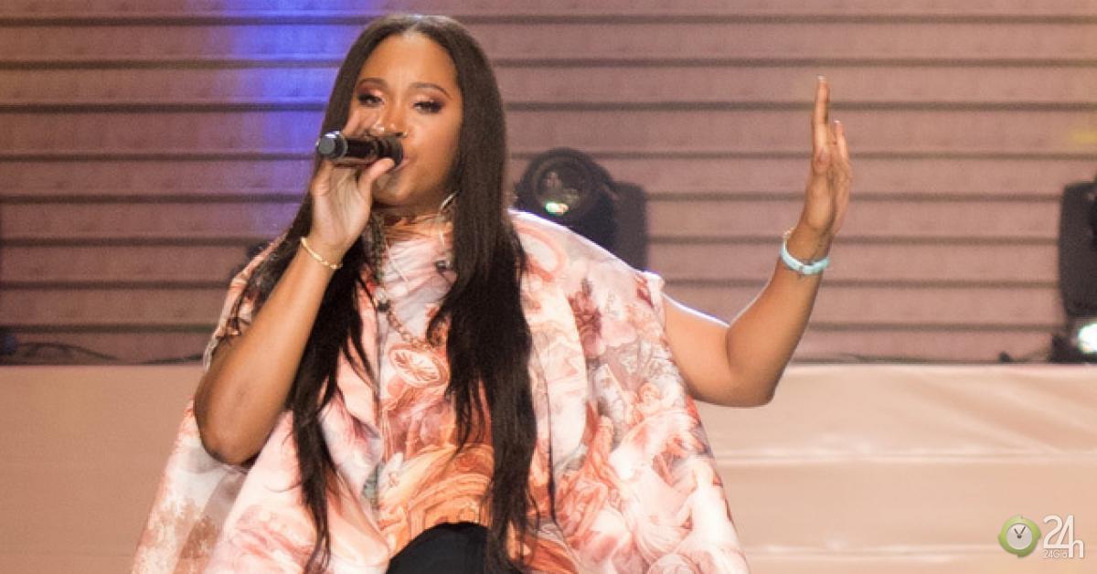 Ca sĩ lọt Top Billboard hút mọi chú ý khi dự lễ trao giải tại VN - Ngôi sao