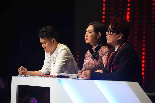 """""""Cậu bé Thị Mầu"""" quê Bắc Ninh bật khóc nức nở trên truyền hình - 2"""