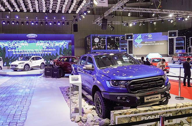 Ford Việt Nam mang dòng SUV Escape mới giới thiệu tại VMS 2019 - 12