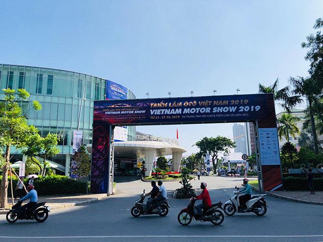 Triển lãm Ô tô Việt Nam 2019 chính thức khai mạc - 7