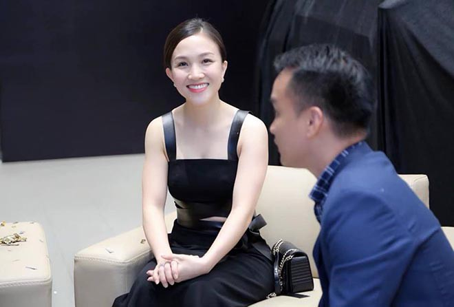 Bà xã xinh đẹp kém 12 tuổi, bỏ cả sự nghiệp để ở bên Phan Đinh Tùng giờ ra sao? - 8