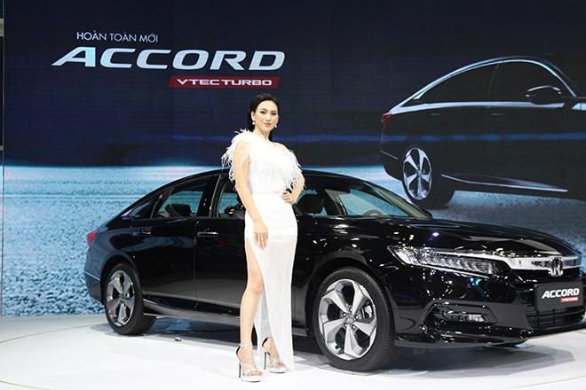 Cận cảnh Honda Accord hoàn toàn mới tại đại lý, giá bán cao hơn Toyota Camry - 1