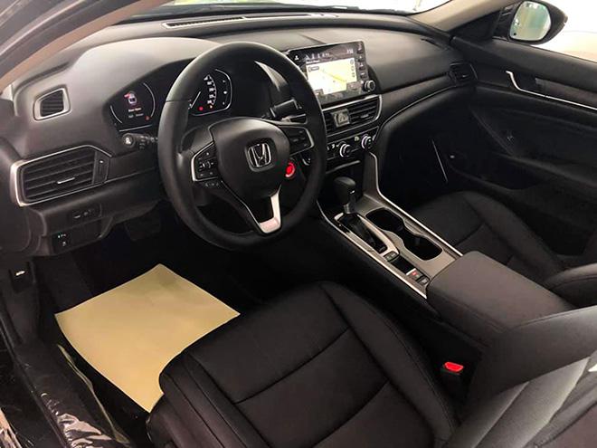 Cận cảnh Honda Accord hoàn toàn mới tại đại lý, giá bán cao hơn Toyota Camry - 11