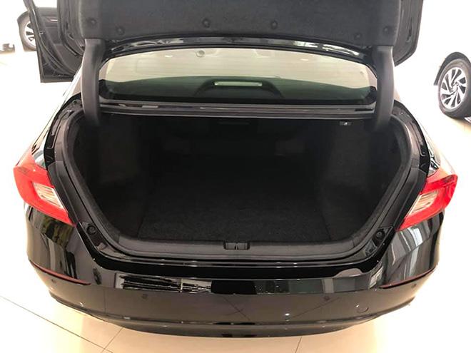 Cận cảnh Honda Accord hoàn toàn mới tại đại lý, giá bán cao hơn Toyota Camry - 14