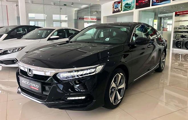 Cận cảnh Honda Accord hoàn toàn mới tại đại lý, giá bán cao hơn Toyota Camry - 3