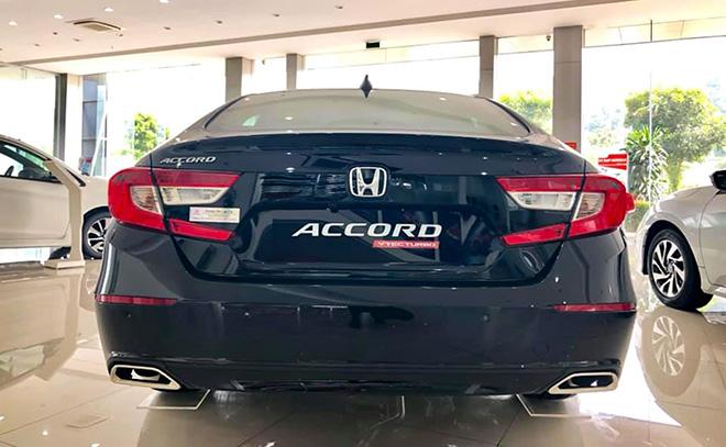 Cận cảnh Honda Accord hoàn toàn mới tại đại lý, giá bán cao hơn Toyota Camry - 15