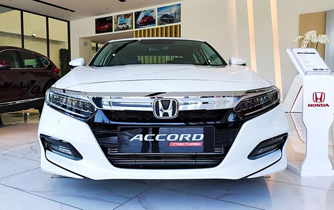 Cận cảnh Honda Accord hoàn toàn mới tại đại lý, giá bán cao hơn Toyota Camry - 4