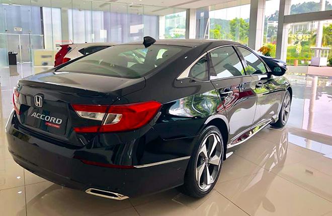 Cận cảnh Honda Accord hoàn toàn mới tại đại lý, giá bán cao hơn Toyota Camry - 7