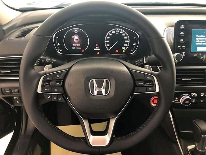 Cận cảnh Honda Accord hoàn toàn mới tại đại lý, giá bán cao hơn Toyota Camry - 9