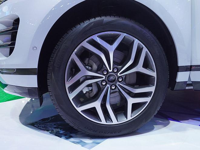 Jaguar Land Rover mang đến không gian đậm chất thể thao tại VMS 2019 - 11
