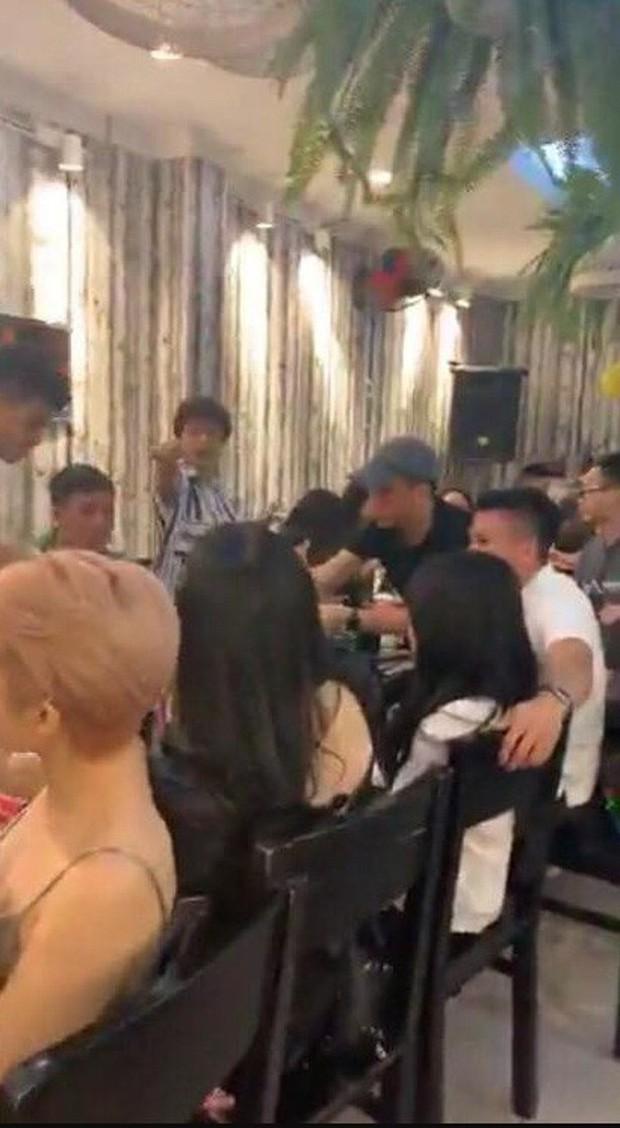 Cô gái được cho là bạn gái mới Quang Hải: Cao 1m52 và rất nóng bỏng - 1