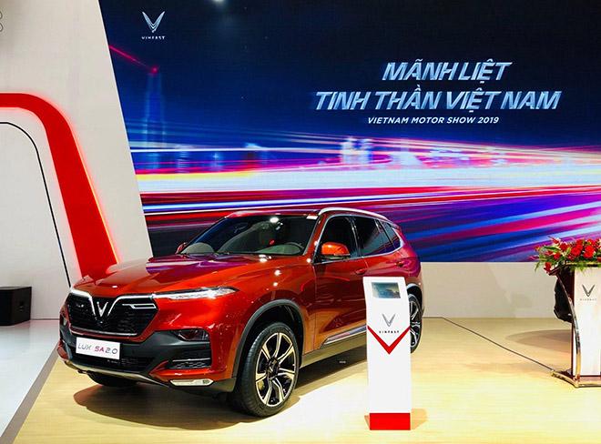 VinFast tâm điểm chú ý tại triển lãm Ô tô Việt Nam 2019 - 2