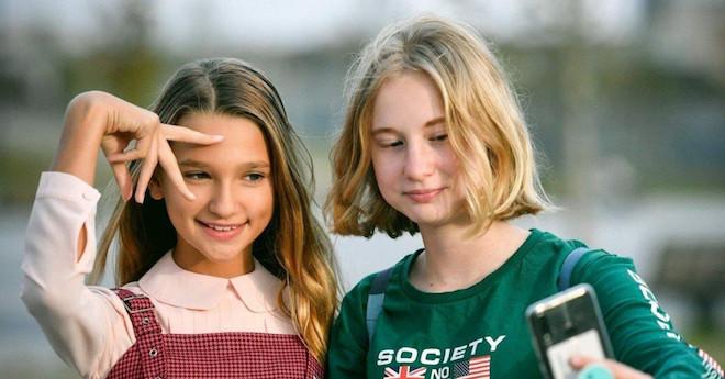 Những đứa trẻ chưa kịp lớn đã trở thành ngôi sao mạng xã hội - 1