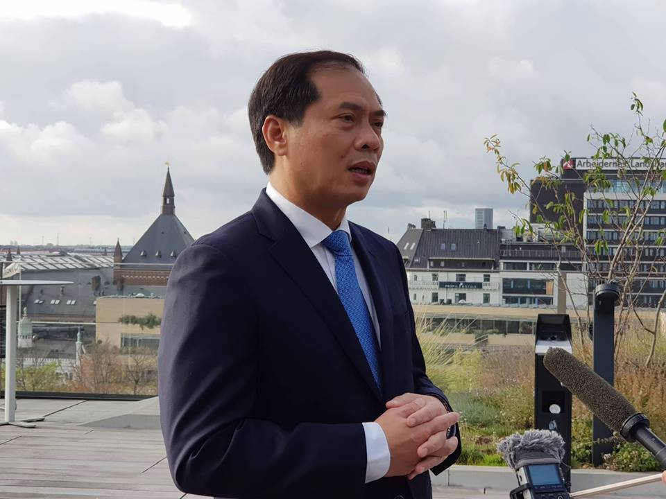 Vụ phát hiện 39 thi thể: Cảnh sát Anh chuyển hồ sơ 4 trường hợp đầu tiên cho Việt Nam - 1