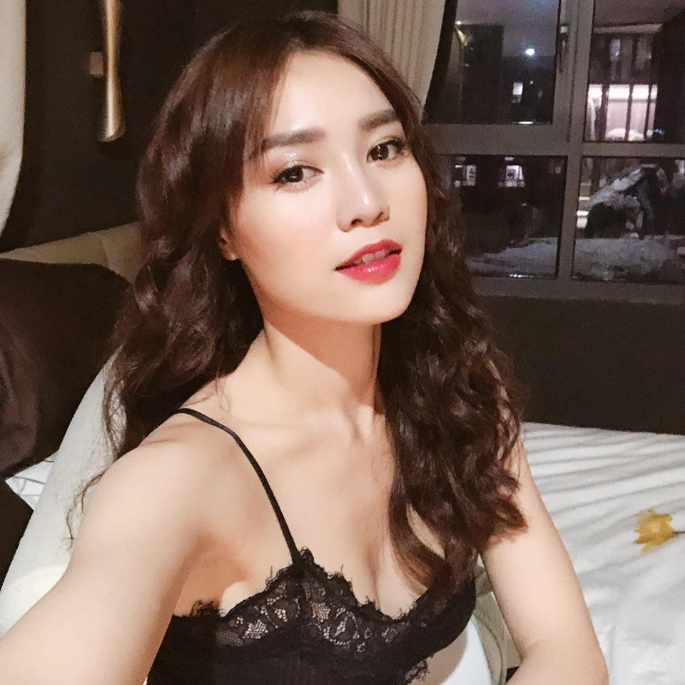 Ninh Dương Lan Ngọc mặc bikini khoe dáng sexy, fan lập tức phát hiện điều này - 10
