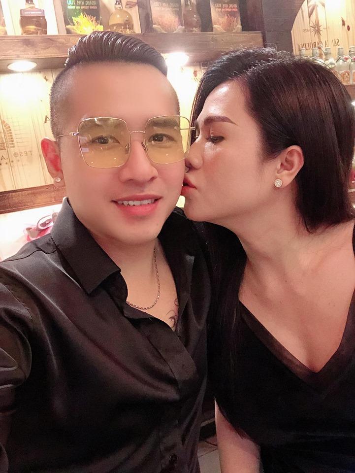 """Chị gái Ngọc Trinh được chồng """"phi công"""" tặng hột xoàn hơn 300 triệu, lại thêm lô đất mới - 9"""