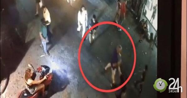 """Thái Lan: Cựu binh Anh bị bảo vệ quán bar hạ """"knock-out"""" bởi một cú đấm-Thế giới"""
