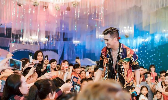 Để mời sao Việt hát đám cưới, có đại gia sẵn sàng chi đến cả tỷ đồng - 2