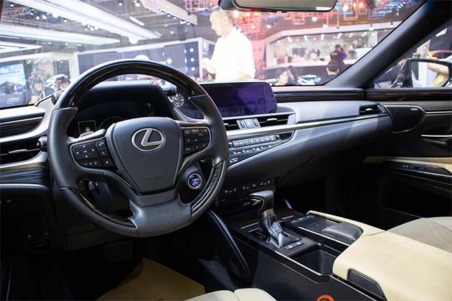 Lexus ES 300h 2019 sắp được nhập khẩu chính hãng tại Việt Nam - 3