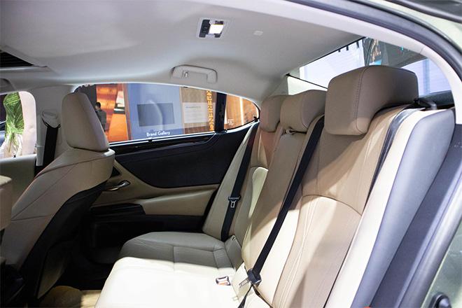Lexus ES 300h 2019 sắp được nhập khẩu chính hãng tại Việt Nam - 6