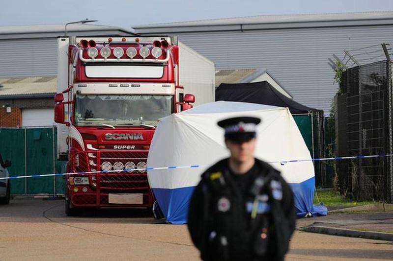 Từ vụ 39 người chết trong container đến 'bong bóng nhập cư'