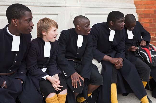 Các kiểu đồng phục học sinh độc lạ nhất thế giới - 5