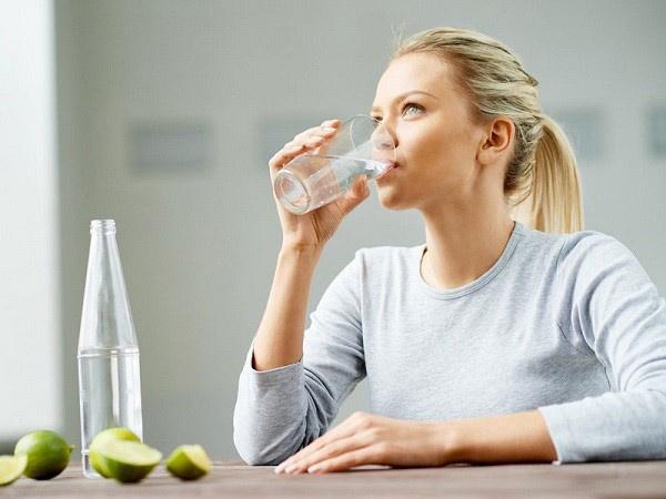 Muốn giảm cân giữ dáng, uống bao nhiêu nước một ngày thì phù hợp? - 1