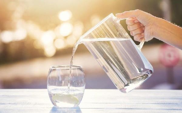 Muốn giảm cân giữ dáng, uống bao nhiêu nước một ngày thì phù hợp? - 2