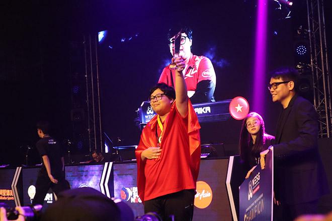 Vận động viên eSports Việt Nam vô địch giải Thể thao điện tử Đông Nam Á - 2