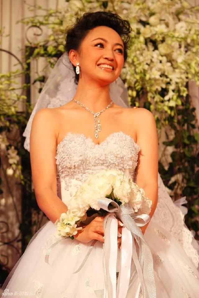 Nàng Đát Kỷ ma mị nhất màn ảnh đổi đời thành bà trùm, thao túng cả làng giải trí Hoa ngữ - 4