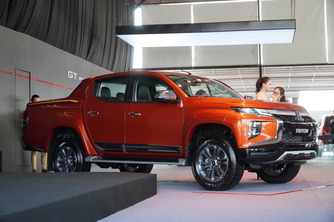 Cận cảnh Mitsubishi Triton bản full option, giá bán 865 triệu đồng