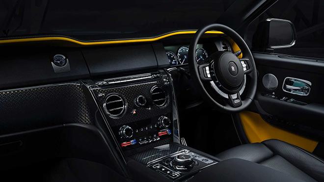 Rolls-Royce vén màn siêu phẩm Cullinan Black Badge, giá từ 382.000 USD - 4