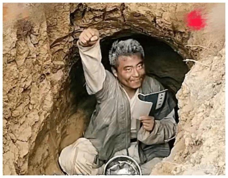 """Những thanh niên TQ mê truyện chưởng Kim Dung, lên núi """"luyện thành anh hùng"""" - 3"""