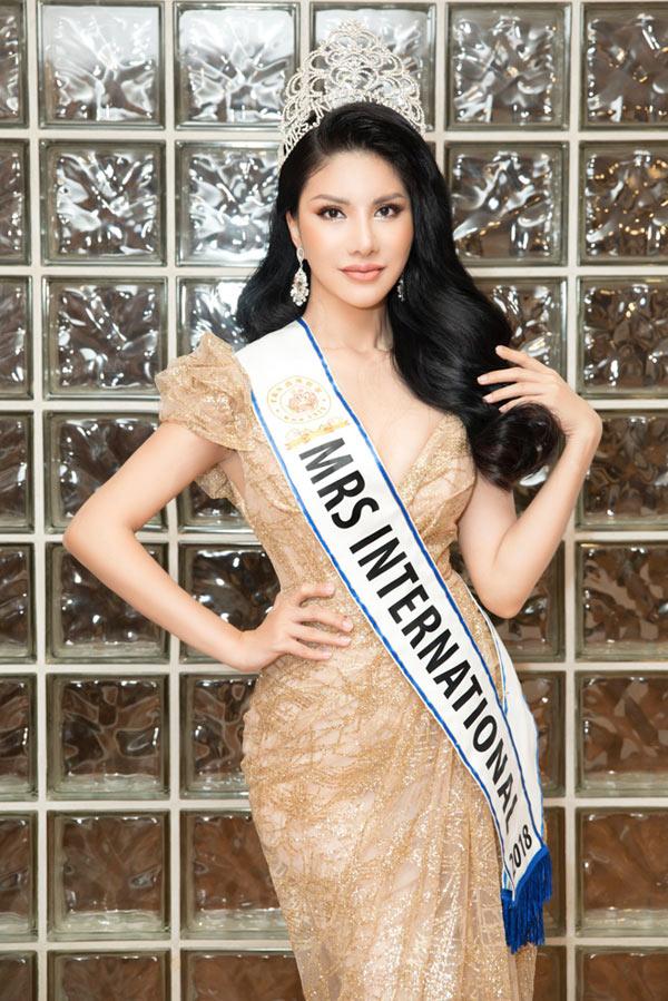 Loan Vương sang Singapore trao vương miện cho người kế nhiệm tại Mrs International - 8