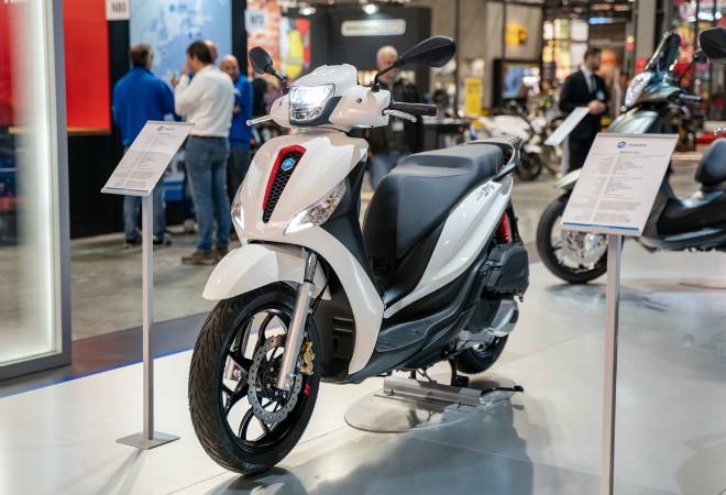 Ra mắt 2020 Piaggio Medley S đẹp lung linh, đối đầu Honda SH - 1