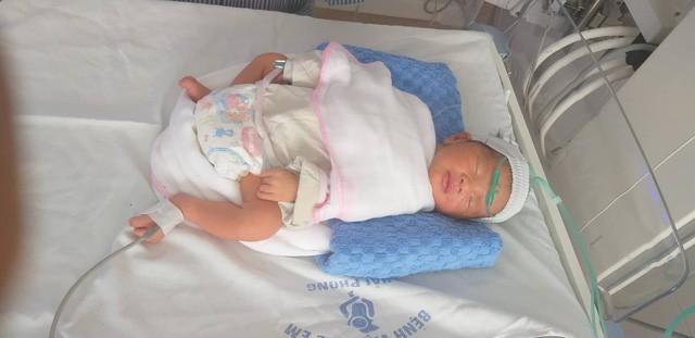 Hải Phòng: Bà mẹ 4 con nguy kịch vì TNGT, thai nhi phải chào đời sớm - 1
