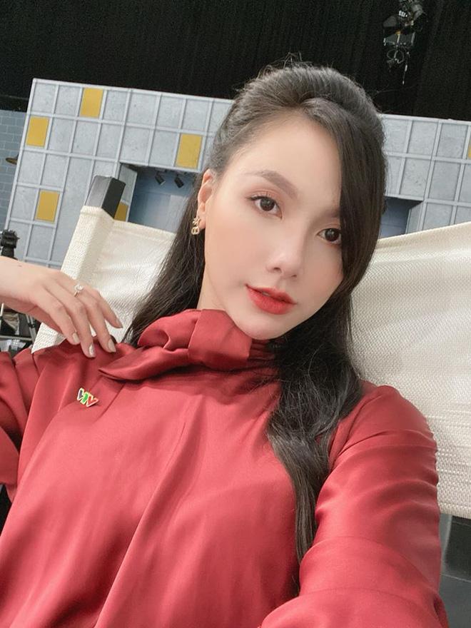 MC Minh Hà bất ngờ khoe nhẫn kim cương đôi sau tin đồn với Chí Nhân - 3