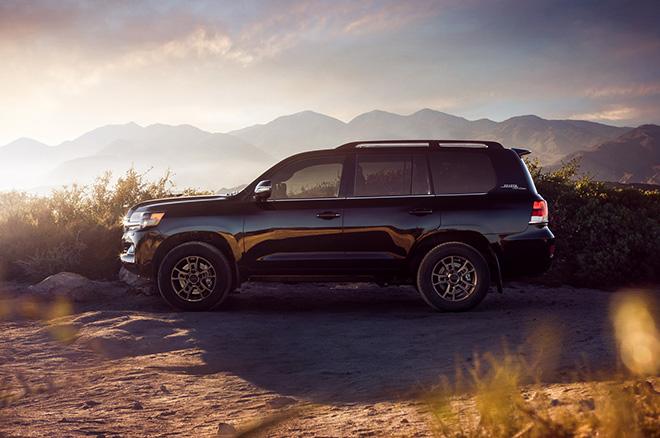 Toyota Land Cruiser 2020 ra mắt với giá hơn 4 tỉ đồng - 3