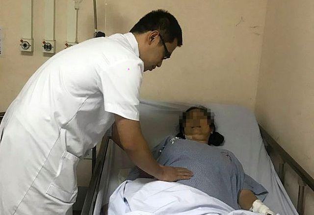 Một phụ nữ suýt chết sau 41 ngày chỉ ăn chay với gạo lứt, muối vừng - 1