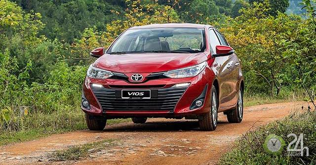 Sôi động thị trường ô tô cuối năm: Toyota tung nhiều ưu đãi hấp dẫn chưa từng có