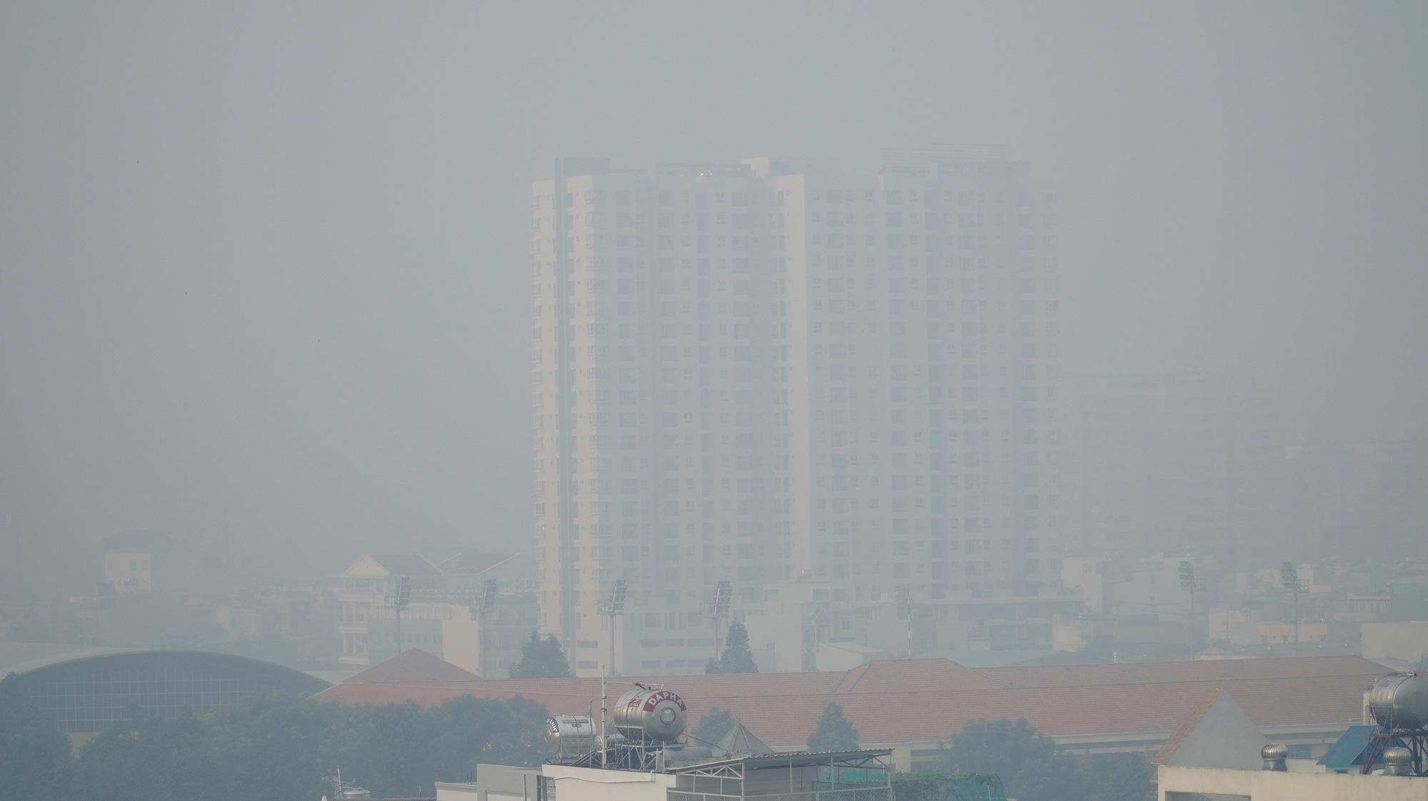 TP HCM: Toàn bộ trạm đo mức ô nhiễm không khí hiện màu nguy hiểm - 5