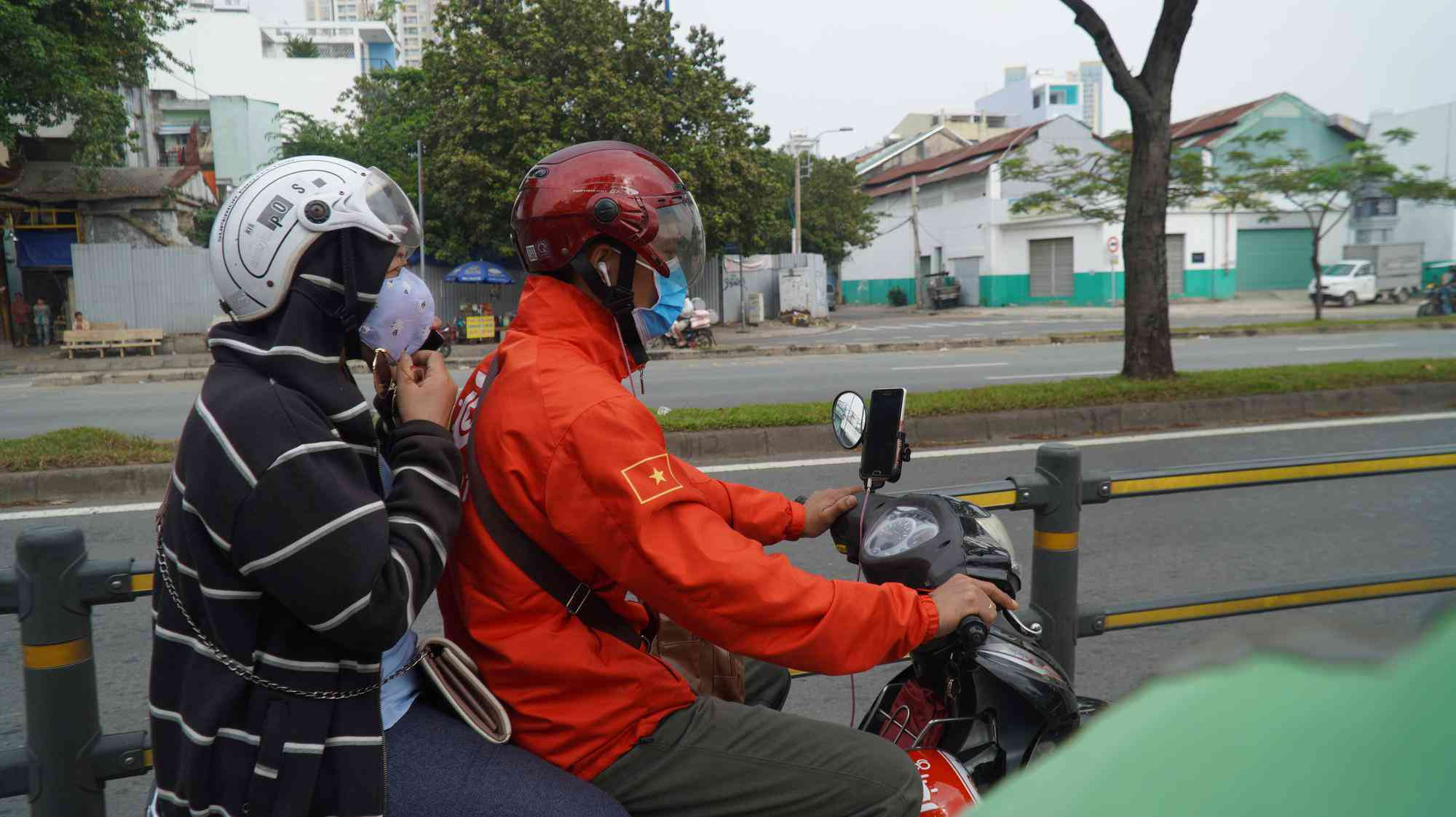 TP HCM: Toàn bộ trạm đo mức ô nhiễm không khí hiện màu nguy hiểm - 3