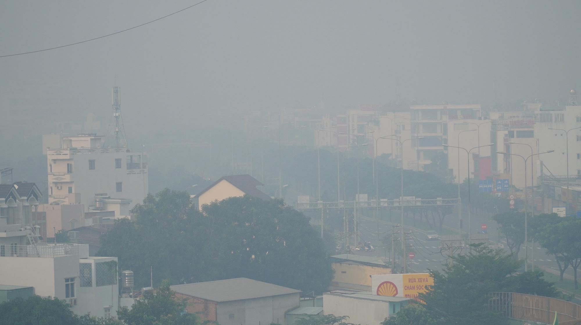 TP HCM: Toàn bộ trạm đo mức ô nhiễm không khí hiện màu nguy hiểm - 4