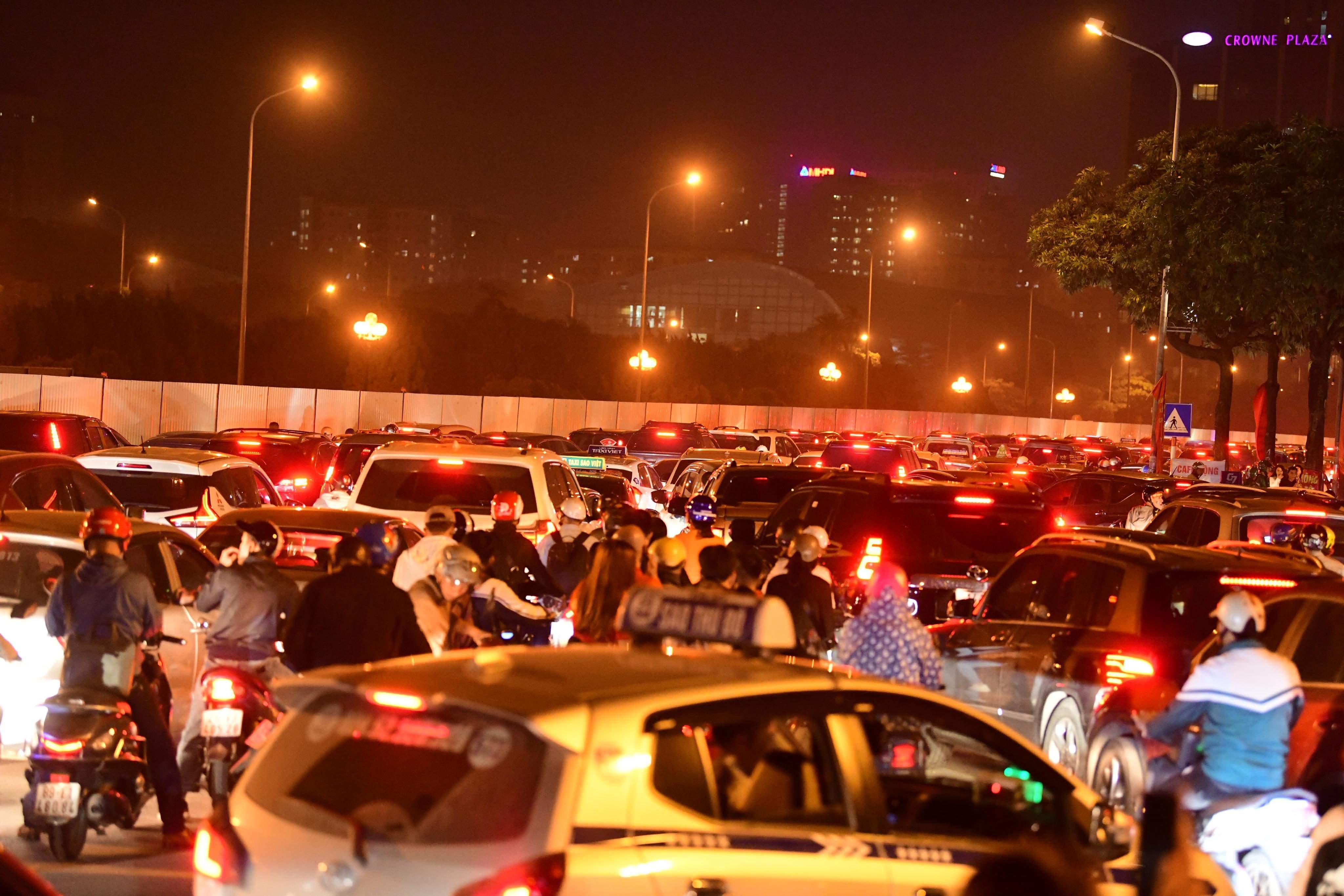 Việt Nam thắng UAE: Mọi ngả đường rời