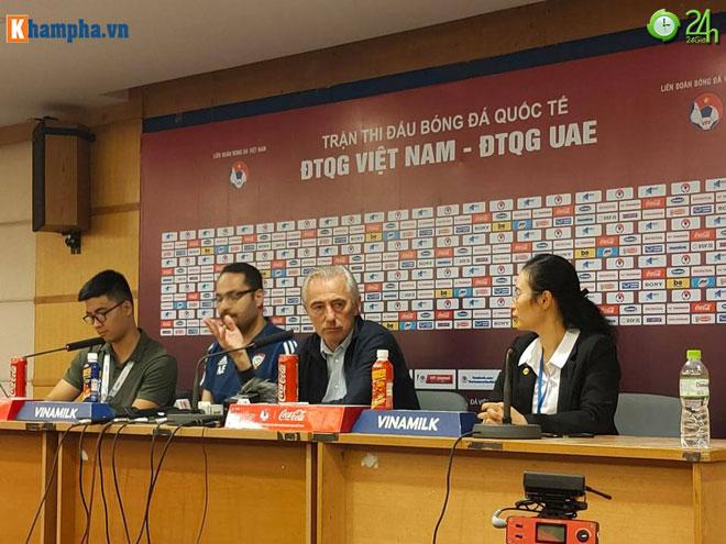 Họp báo sau trận ĐT Việt Nam - UAE: Thầy Park khen Tuấn Anh - Tiến Linh - 2