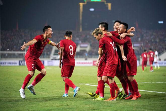 """ĐT Việt Nam hạ UAE """"công phá"""" BXH FIFA: Cao thứ nhì lịch sử, áp sát top 90 - 1"""