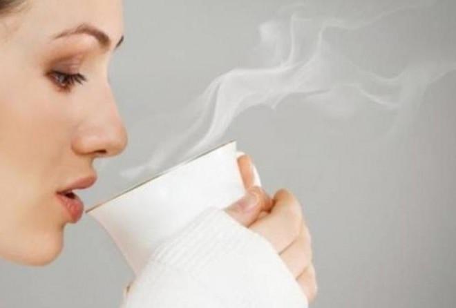 """Uống một cốc nước ấm mỗi sáng theo cách này, công dụng hơn """"thần dược"""" - 1"""