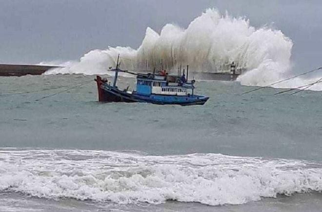 Hai cơn bão liên tiếp ngoài khơi Thái Bình Dương sắp vào Biển Đông - 1