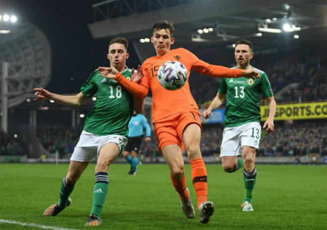 Video highlight trận Bắc Ireland - Hà Lan: Bỏ lỡ penalty, kết cục đắng ngắt - 1